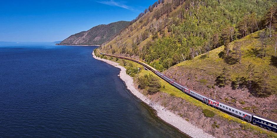 Train Or des Tsars au bord du Lac Baïkal